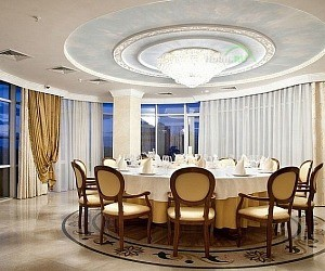 Ресторан The One Restaurant & View в отеле Rimar Hotel